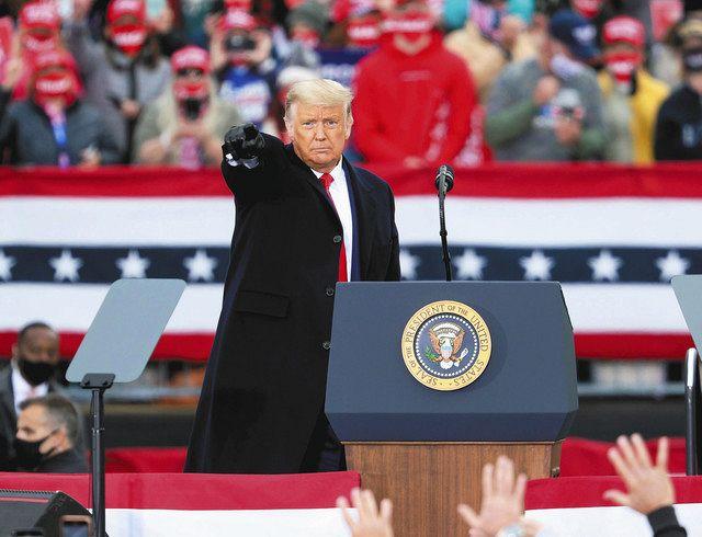 最後の週末、激戦州に総力 米大統領選、ラストベルトで支持訴え