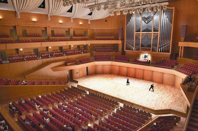 3カ月ぶりの生演奏に観客涙 愛知県芸術劇場コンサートホール:中日新聞Web