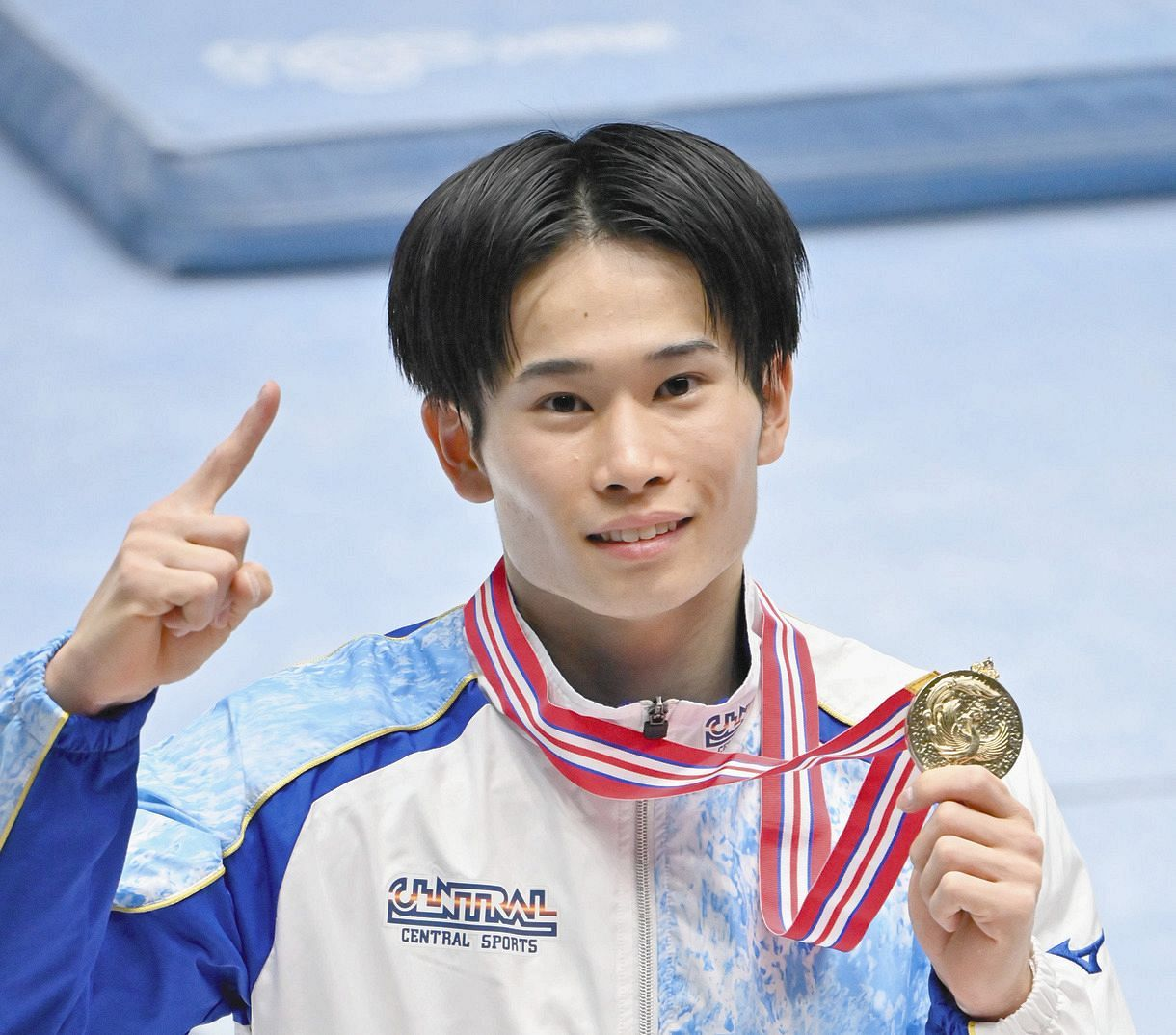 萱和磨、体操個人総合で全日本初V 「こんなところでできなかったら五輪は無理だろう」強気な24歳:中日スポーツ・東京中日スポーツ