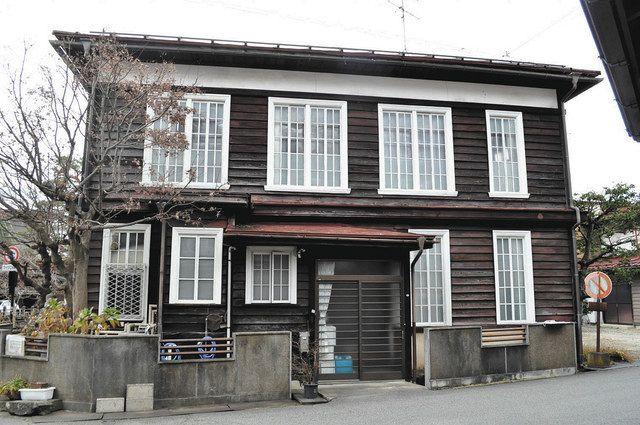 県内2件が国登録文化財に 高山の旧歯科医院と大野の旧酒店