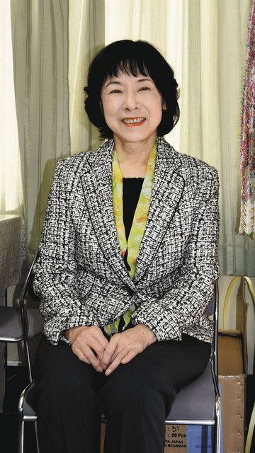 河村さんの素顔を語る妻・名帆子さん=名古屋市東区古出来の河村事務所で