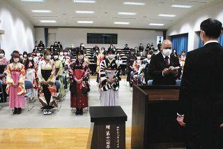 マスク姿で希望の門出 静岡看護専門学校で卒業式
