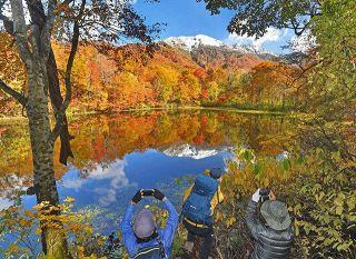 刈込池映える紅葉 大野 登山者「ここ数年で一番」