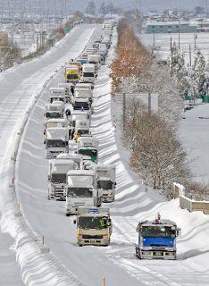 雪大量に積もる 福井で100㌢超は2018年以来