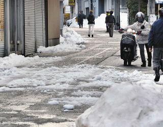 【石川】「排雪」道路なら罰金も 県法令規定「交通 危険招く」