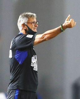 FC岐阜、ゼムノビッチ監督を事実上の解任 昇格へ厳しさ変わらず