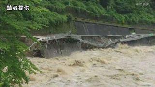 岐阜県下呂市小坂町で国道41号崩落 飛騨川が増水