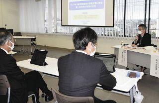 リニア工事 市議会研究会で県担当者「菊川の水に影響大」