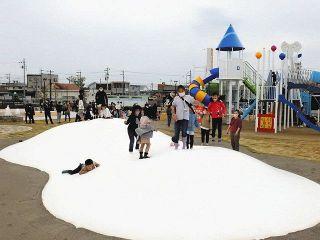 磐田に新しい今之浦公園オープン 敷地拡大、大型遊具に災害時対応