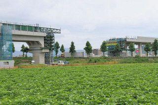 新幹線高架橋 国8の頭上に 福井、2日間かけ工事