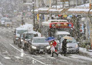 石川県内 再び大雪に警戒 各地で停電