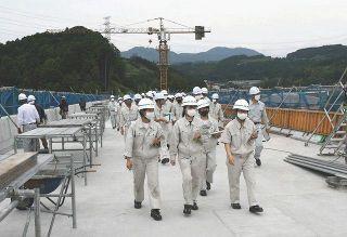 工事現場のやりがい学ぶ 掛川工高生が見学会