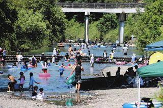 浜松・二俣川に行楽客殺到でトラブルも 住民、善意に期待